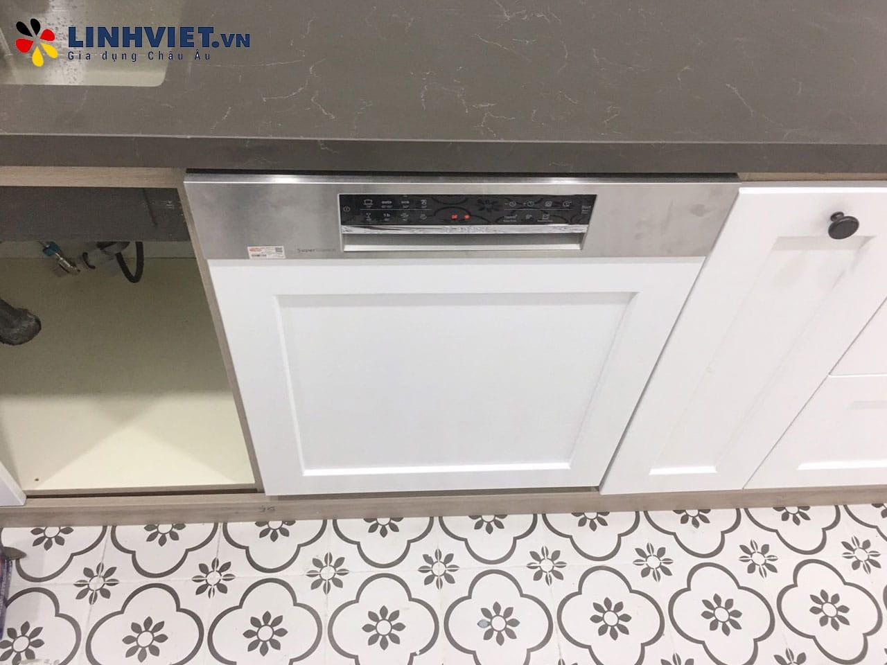 Hình ảnh thực tế khách hàng lắp Combo: Máy rửa bát, Bếp từ Bosch 9