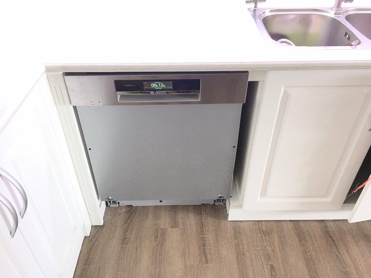 Nhà đẹp thêm SANG nhờ máy rửa bát Bosch âm tủ Smi88ts46e 3